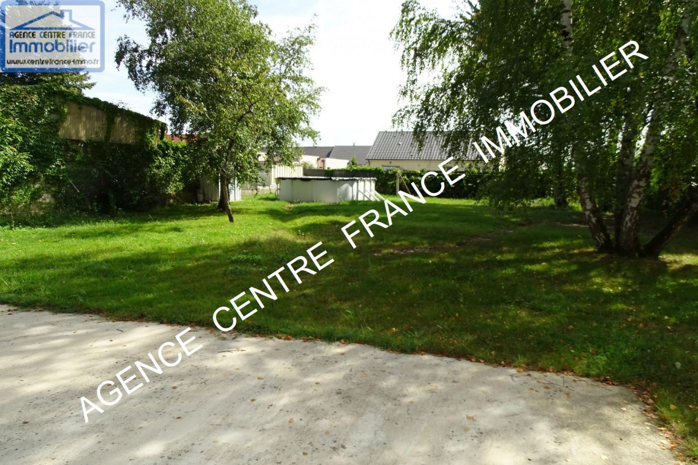 A vendre  La Chapelle Saint Ursin | Réf 030011544 - Agence centre france immobilier