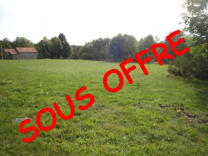 A vendre Terrain constructible Saint Pierre La Bourlhonne   R�f 03007591 - Auvergne properties