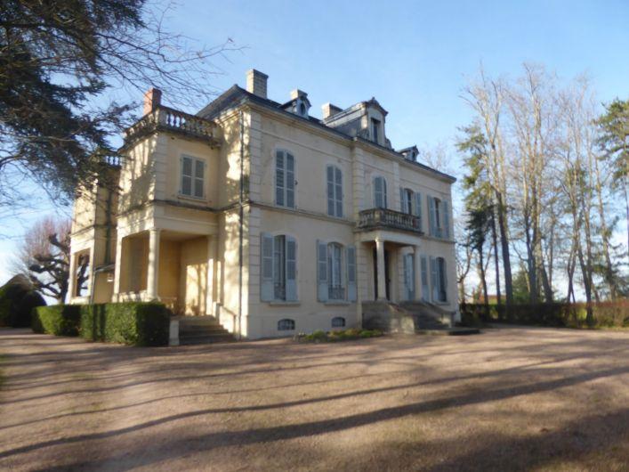 A vendre Ch�teau Saint Gerand Le Puy | R�f 03007818 - Auvergne properties