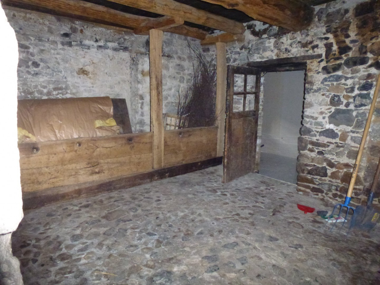 A vendre  Valbeleix | Réf 03007831 - Auvergne properties
