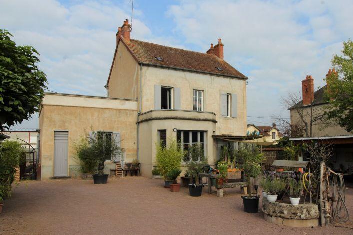 A vendre Maison de village Cosne D'allier | R�f 03007843 - Auvergne properties