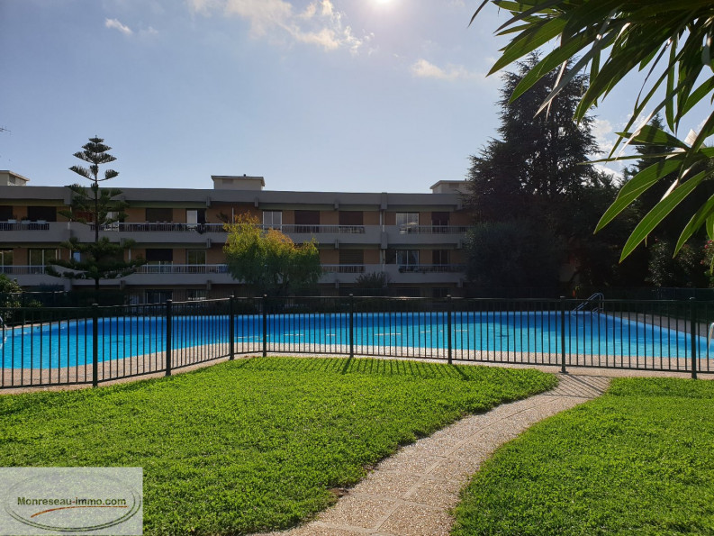 A vendre  Nice   Réf 060079745 - Monreseau-immo.com