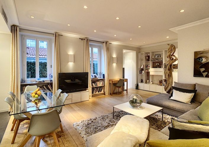A vendre Appartement rénové Nice | Réf 060187455 - Confiance immobilière