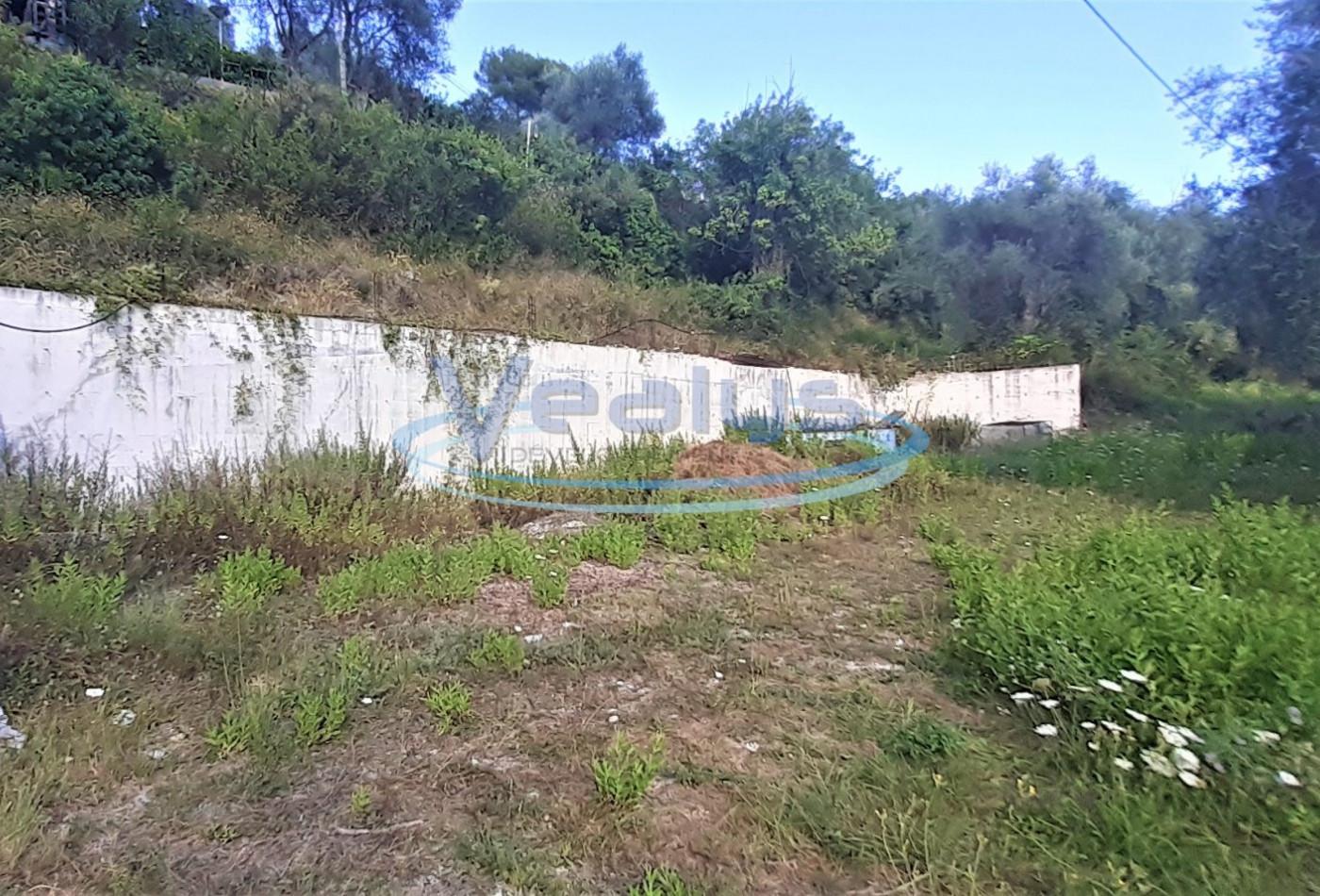 A vendre L'escarene 060201157 Vealys