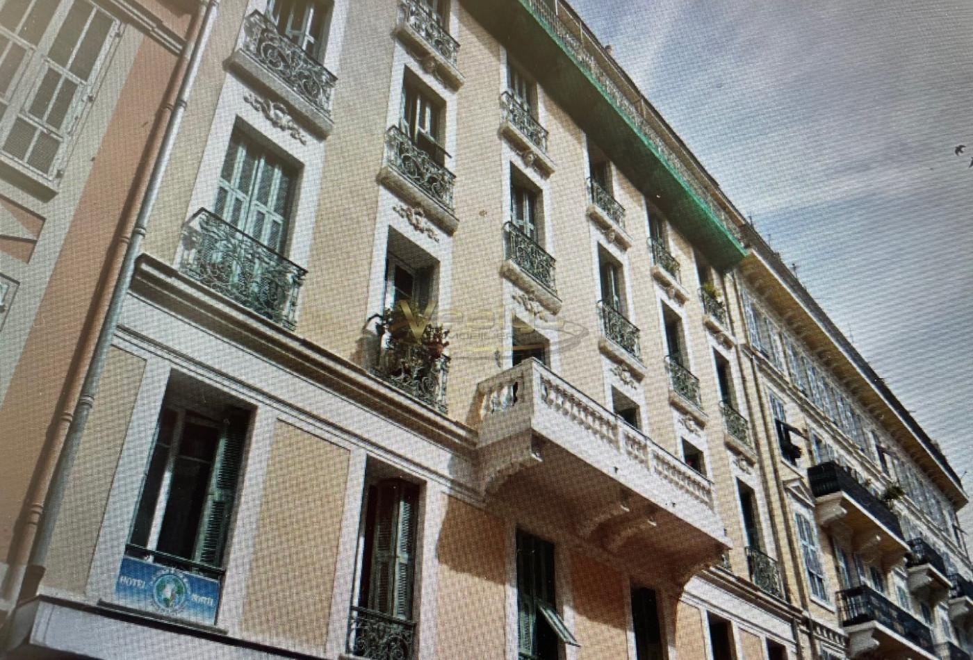 A vendre  Nice   Réf 060203399 - Vealys