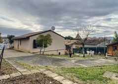 A vendre Villa Ruoms | Réf 070011749 - Agence tourre