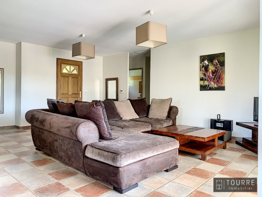 A vendre  Aubenas   Réf 301211842 - Agence tourre