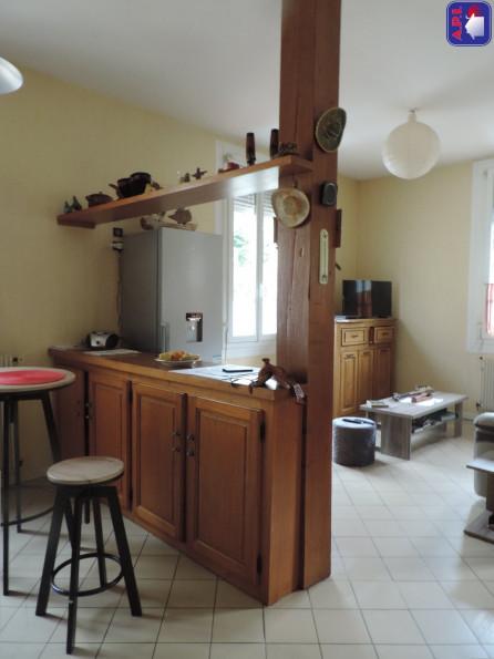 A vendre  Saint Girons   Réf 0900412081 - Agence api
