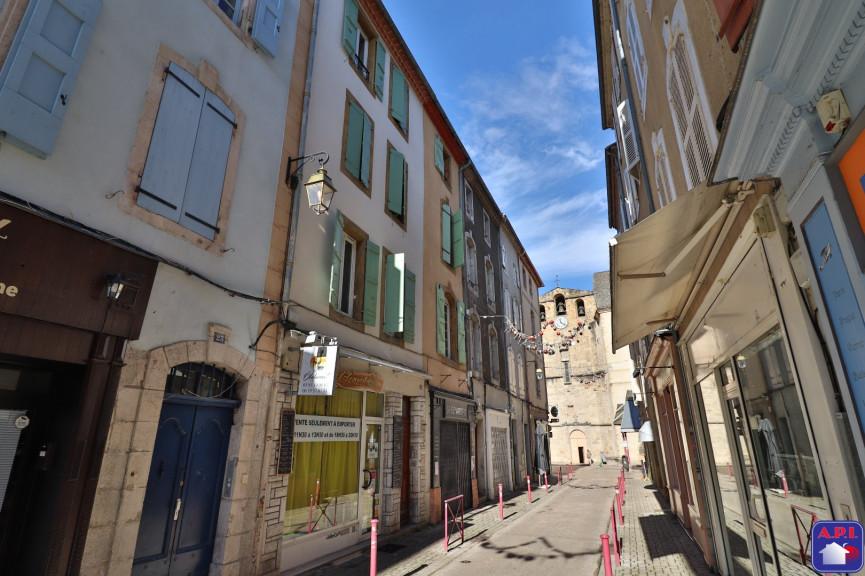 A vendre  Foix   Réf 0900412771 - Agence api