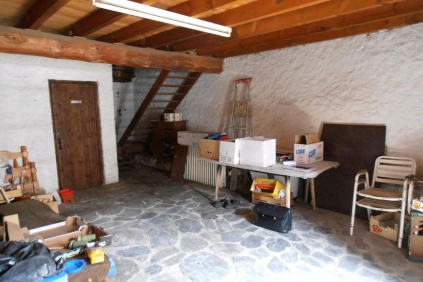 A vendre Belcaire 090042844 Agence api