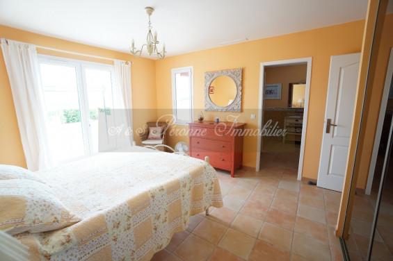 A vendre  Villemoustaussou   Réf 110111801 - A&s peronne