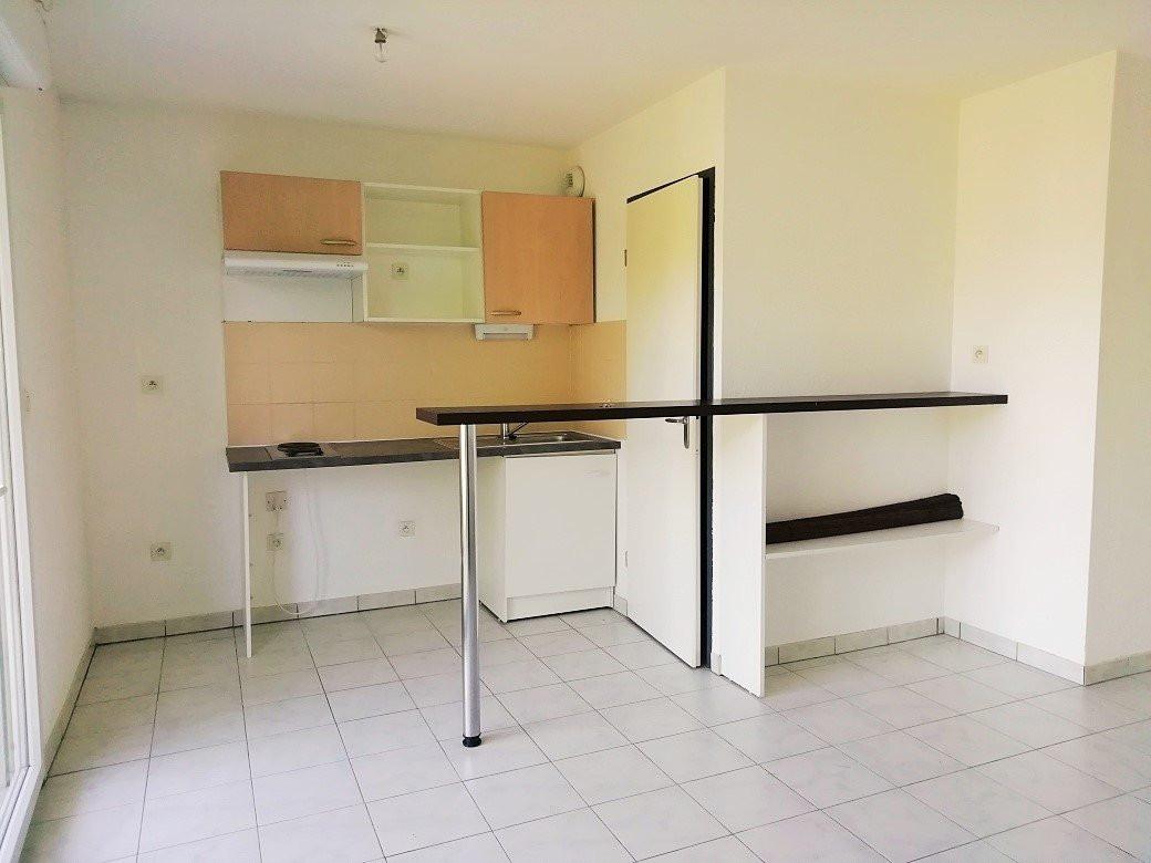 appartement-T2-aureilhan,65-photo1