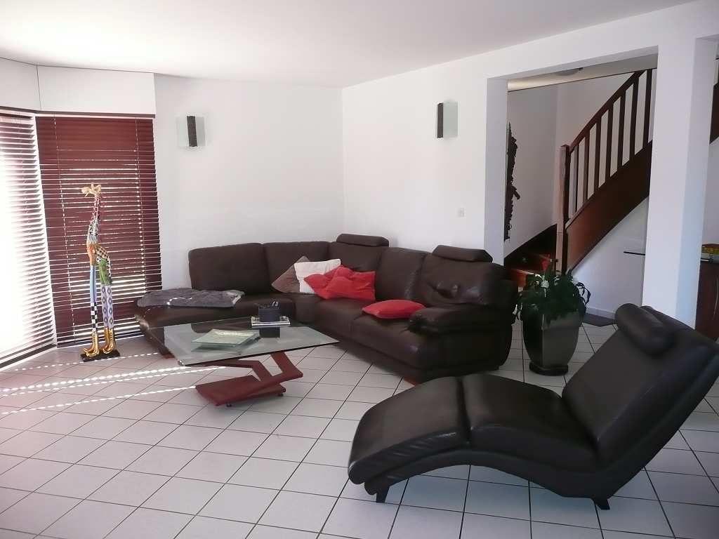 maison en vente rodez rf 12005248 point habitat. Black Bedroom Furniture Sets. Home Design Ideas