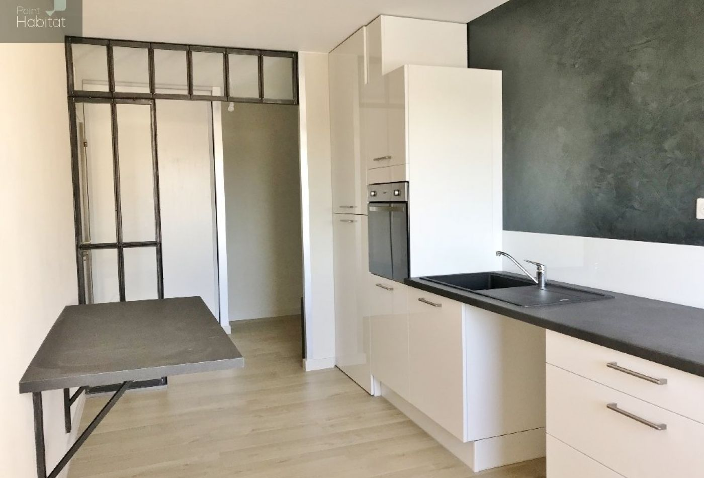 vente appartement rodez 104m 4 pi ces 164 000. Black Bedroom Furniture Sets. Home Design Ideas