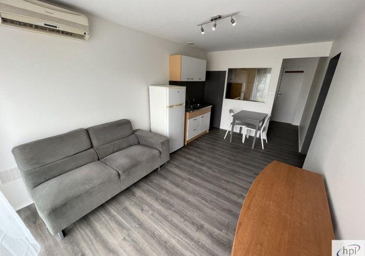 A louer Appartement Saint Affrique   Réf 120062384 - Hubert peyrottes immobilier