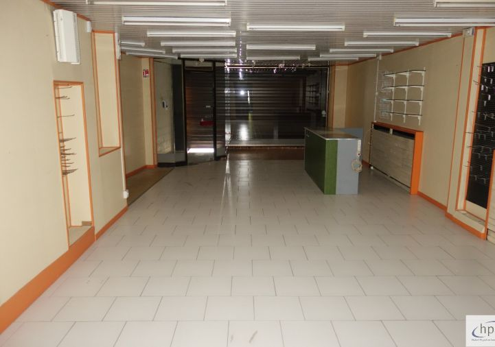 A louer Local commercial Saint Affrique | Réf 120062435 - Hubert peyrottes immobilier