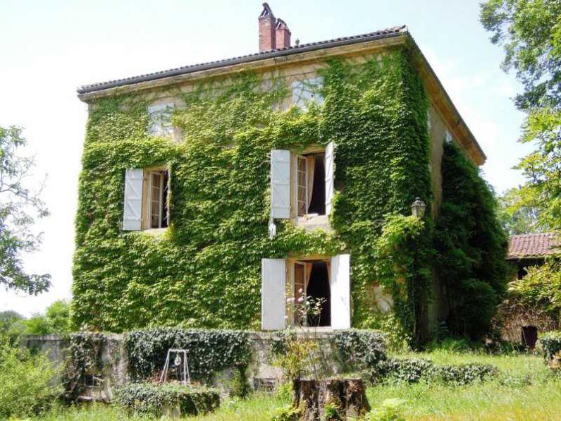 Vente maison de maitre figeac 46100 15 pieces 8 chambres for Annonce vente de maison