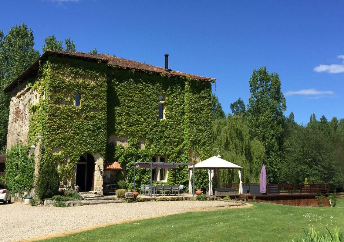A vendre Château Mezin | Réf 1201133049 - Hamilton