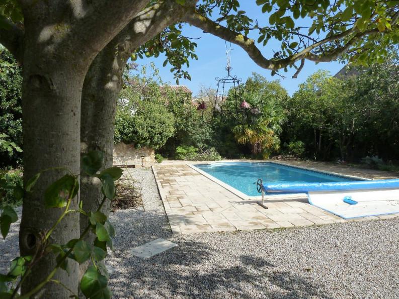 Maison de caractre en vente montreal rf 1201216004 for Vente piscine montreal