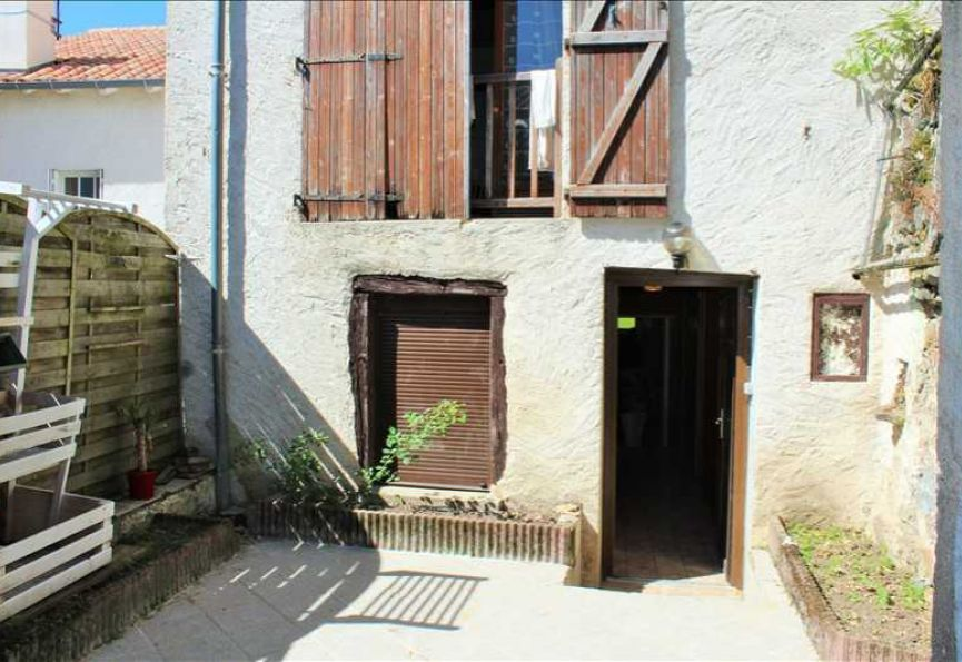 Maison de ville en vente l isle jourdain r f 120181437 for Garage ford l isle jourdain