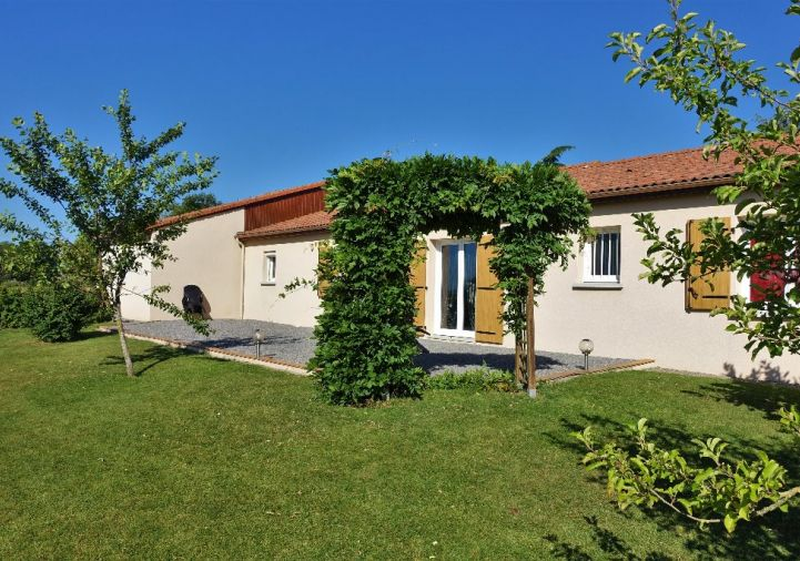 A vendre Berneuil 1201816506 Selection habitat