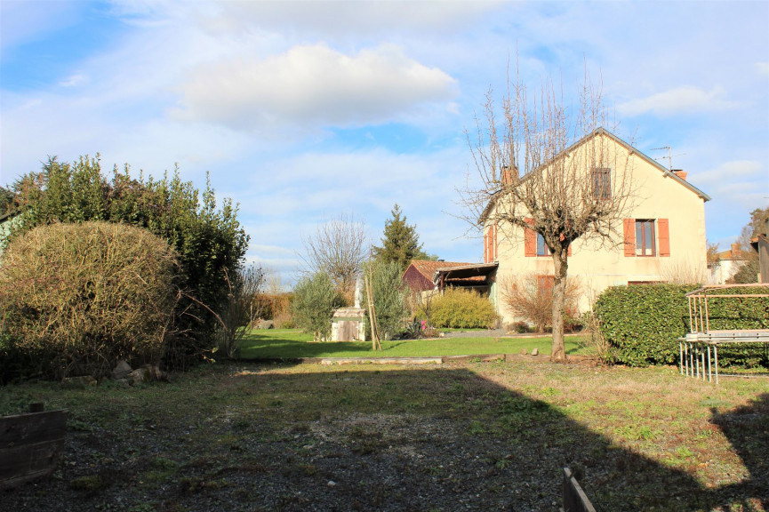 For sale L'isle Jourdain 1201842698 Selection habitat