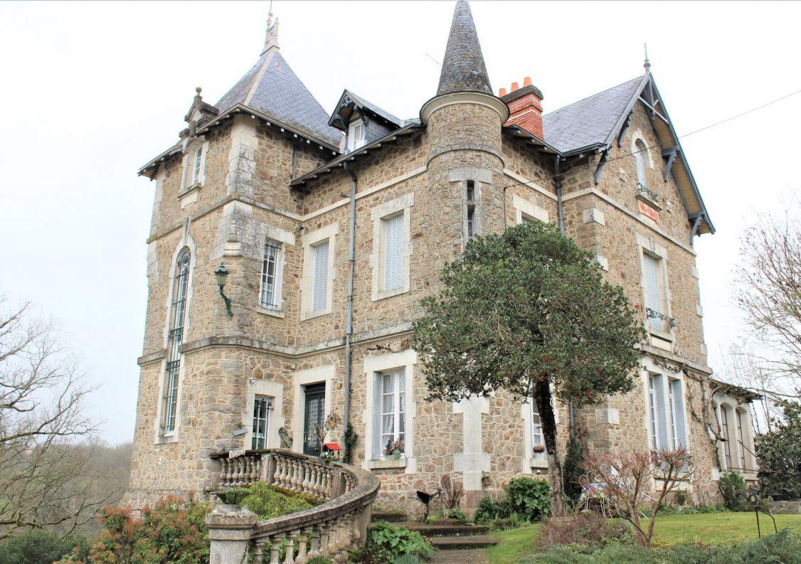 A vendre Château Confolens   Réf 1201842733 - Hamilton