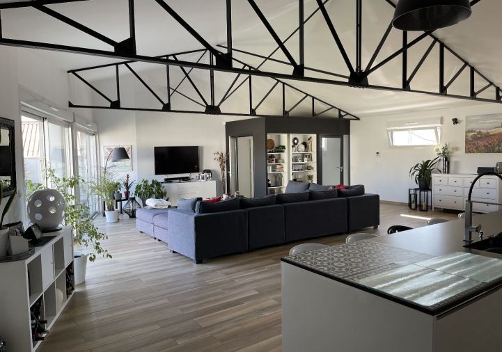 For sale Appartement r�nov� Saint Jean D'angely | R�f 1201845509 - Selection habitat