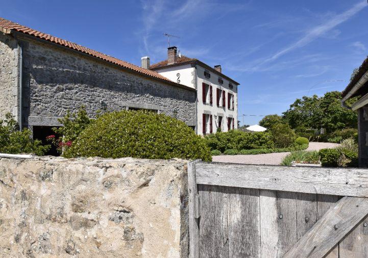 For sale Maison de caract�re Saint Mathieu | R�f 1201845864 - Selection habitat