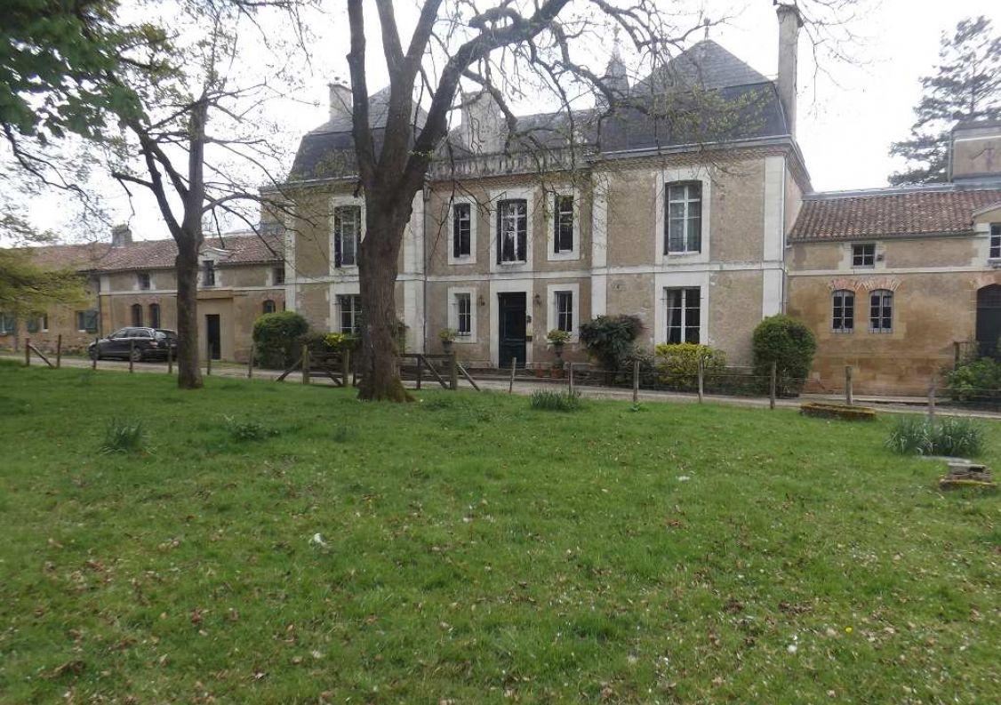 For sale Maison bourgeoise Pressac | R�f 120189660 - Hamilton