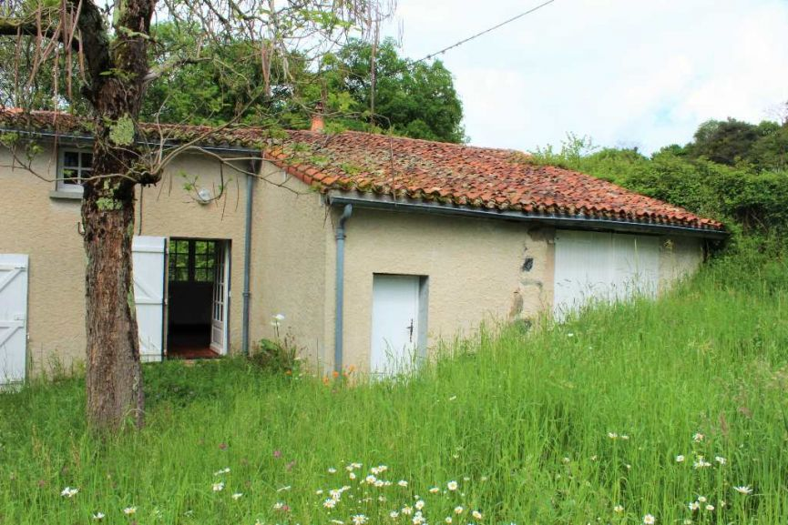 Maison en vente l 39 isle jourdain rf 120189804 selection for Piscine l isle jourdain