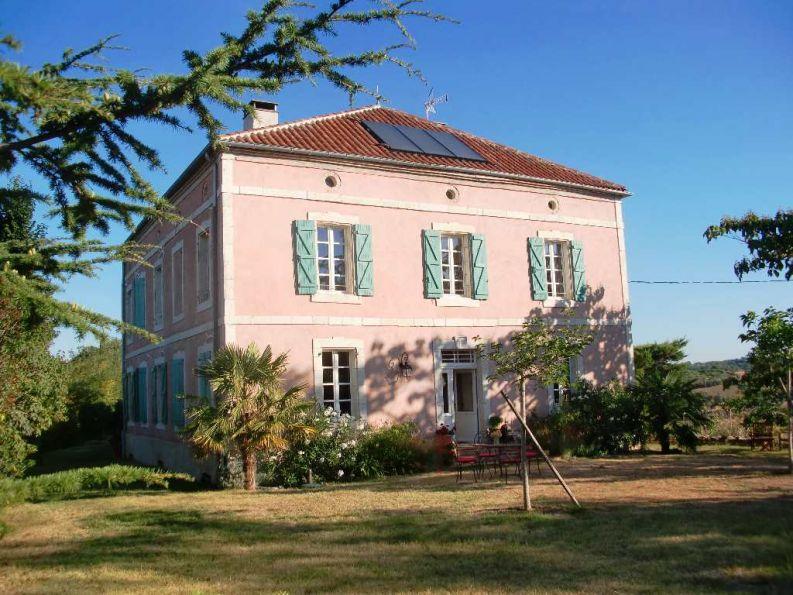 maison de matre en vente montauban rf 1202014733 selection habitat. Black Bedroom Furniture Sets. Home Design Ideas