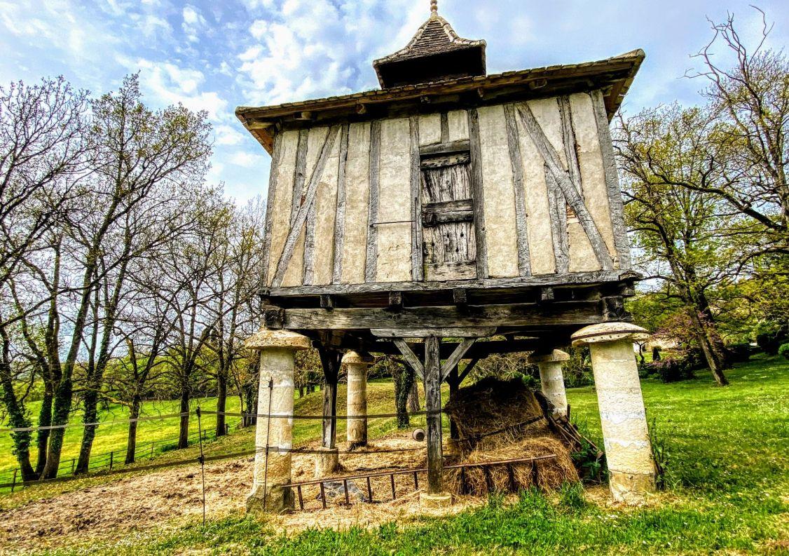 For sale Domaine Montauban | R�f 1202345527 - Hamilton