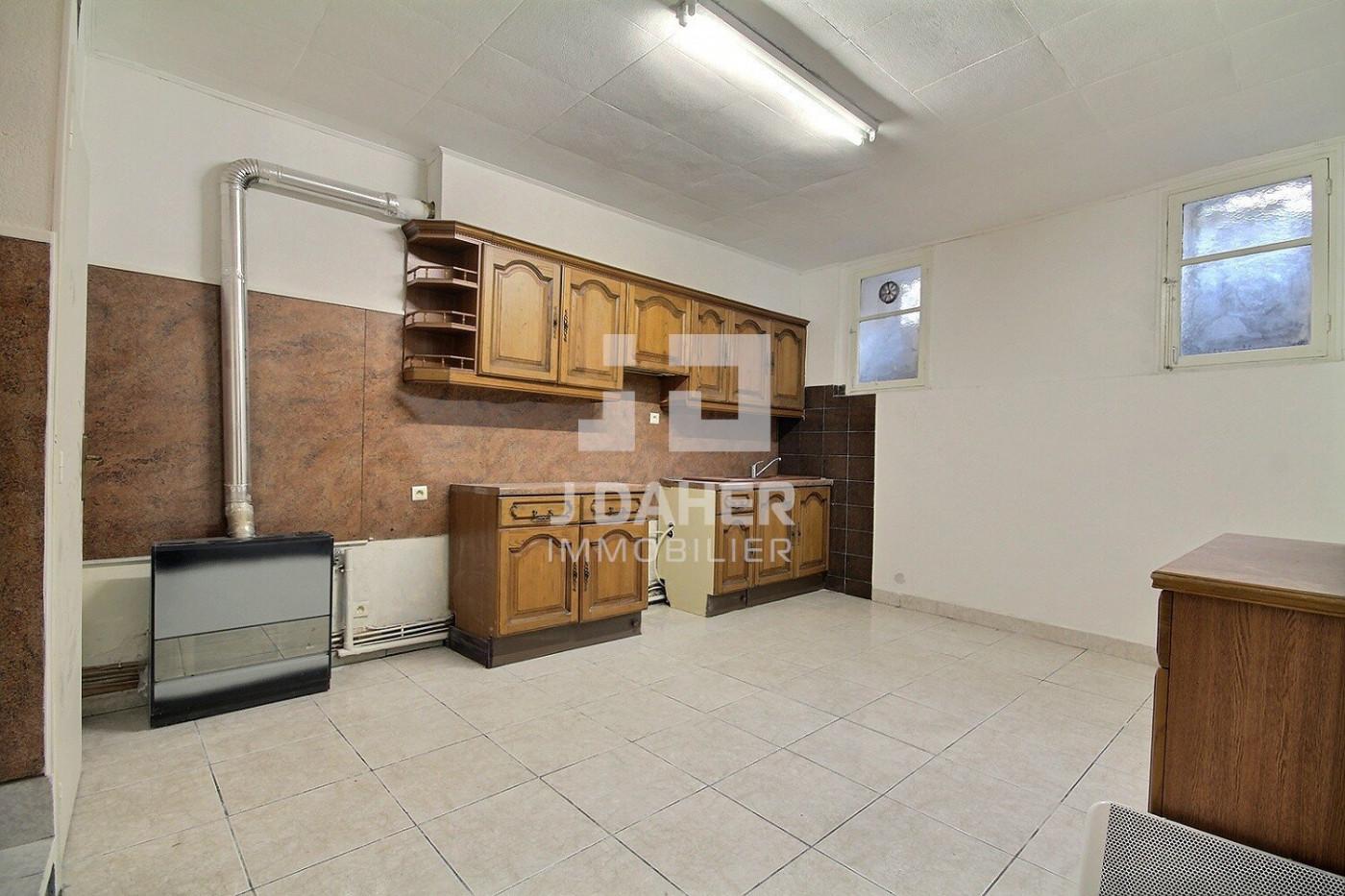 A vendre  Marseille 7eme Arrondissement   Réf 130251005 - J daher immobilier