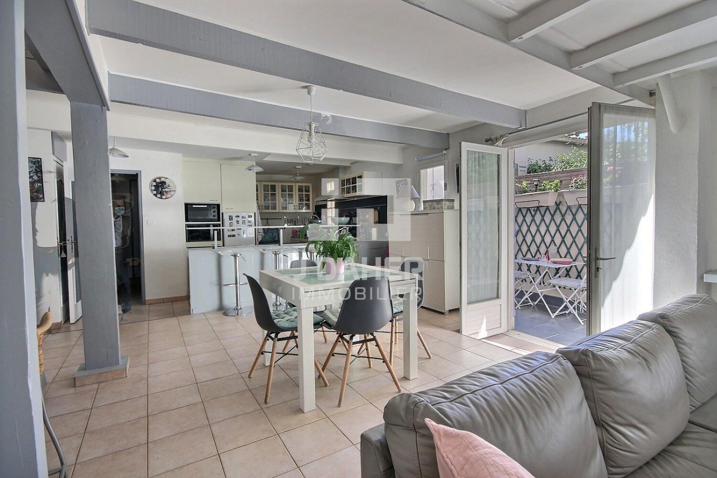 A vendre  Marseille 7eme Arrondissement   Réf 130251023 - J daher immobilier