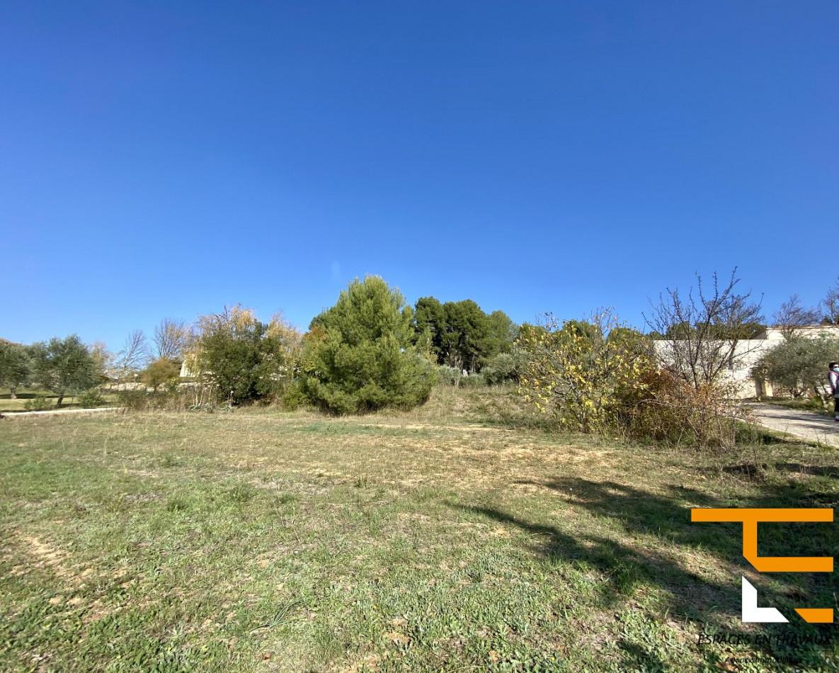 A vendre  Aix En Provence   Réf 1303370 - Espace en travaux
