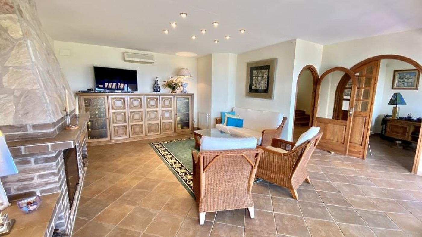 A vendre Roses 1700954109 Comptoir immobilier de france prestige