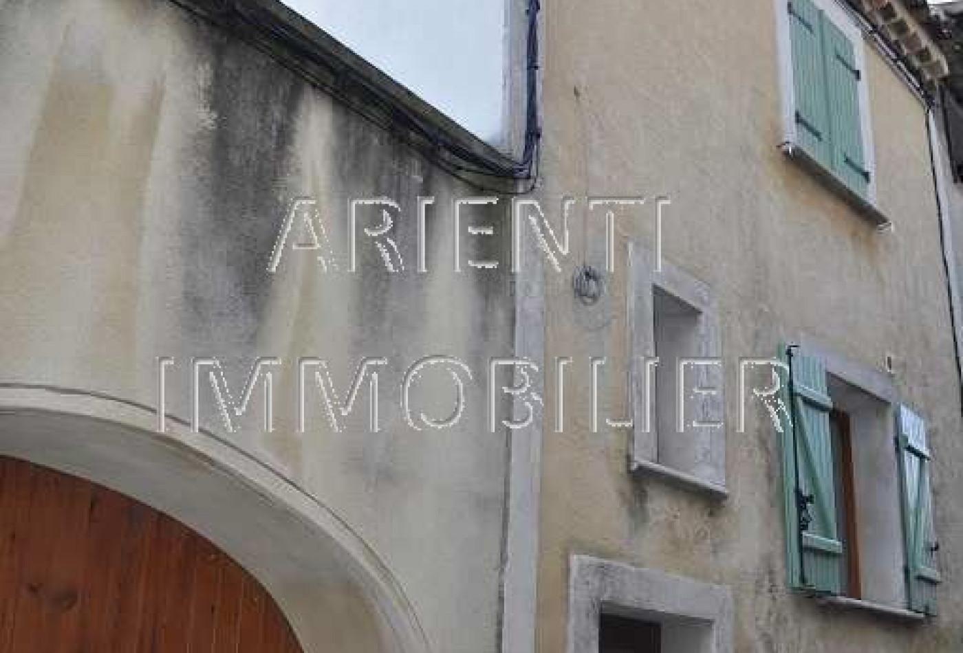 vente maison de village valreas, 70m² 4 pièces 77 000€