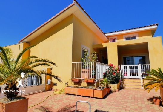 A vendre Aimargues 3011917086 Guylene berge immo aimargues