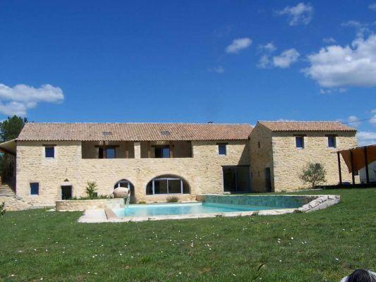 Maison de caractre en vente barjac rf 30121929 agence for Surface moyenne maison