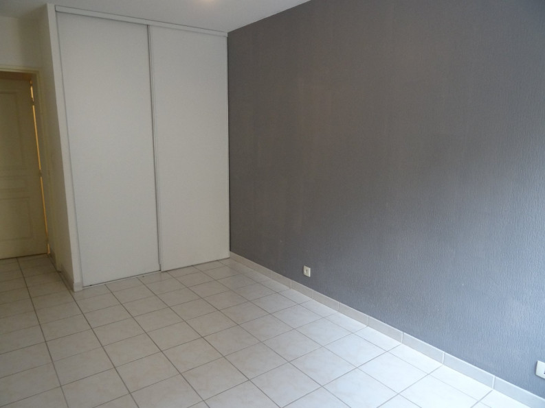 A vendre Nimes 301391292 Cabinet agir