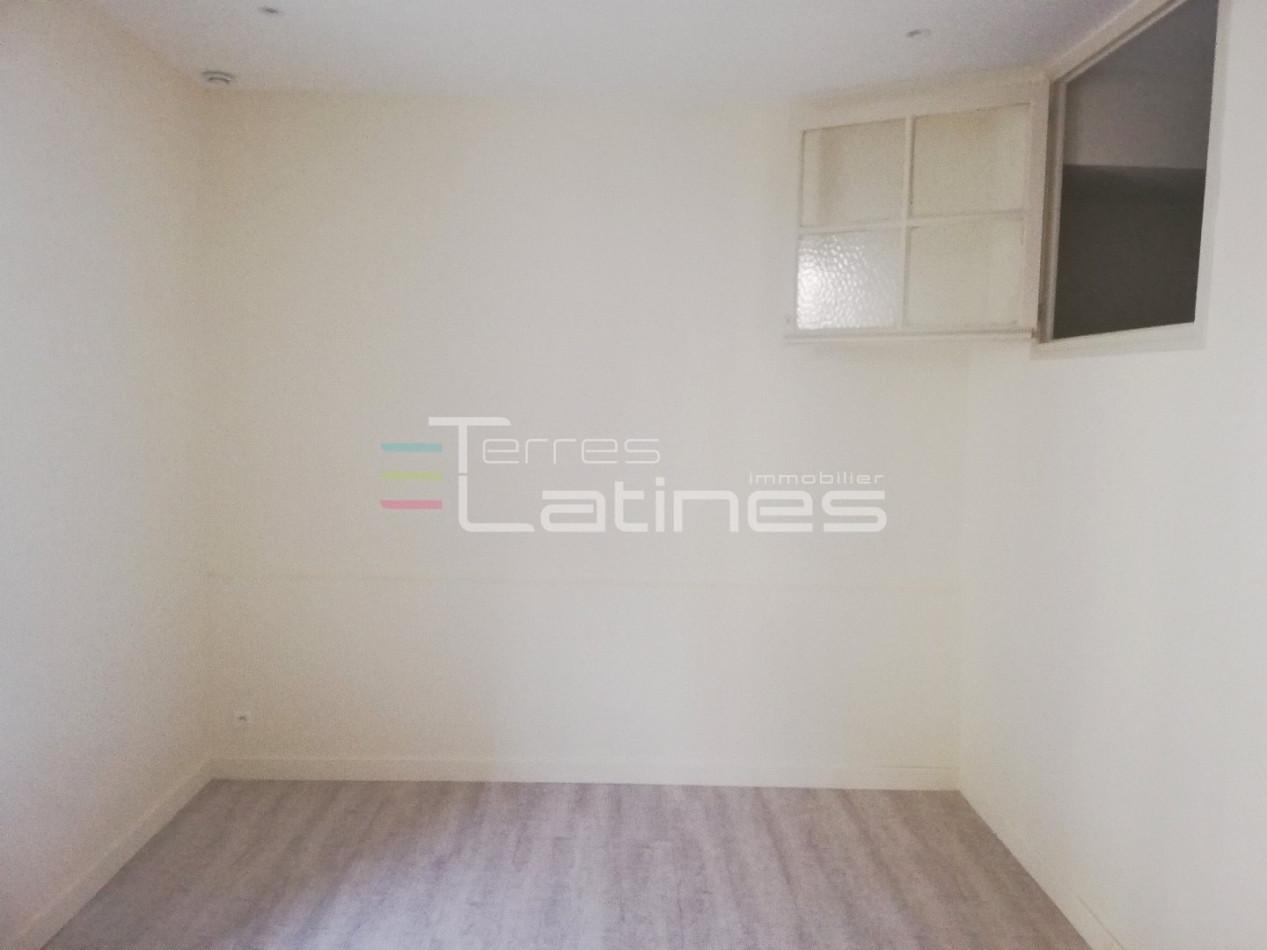 A vendre  Nimes | Réf 30144481 - Terres latines