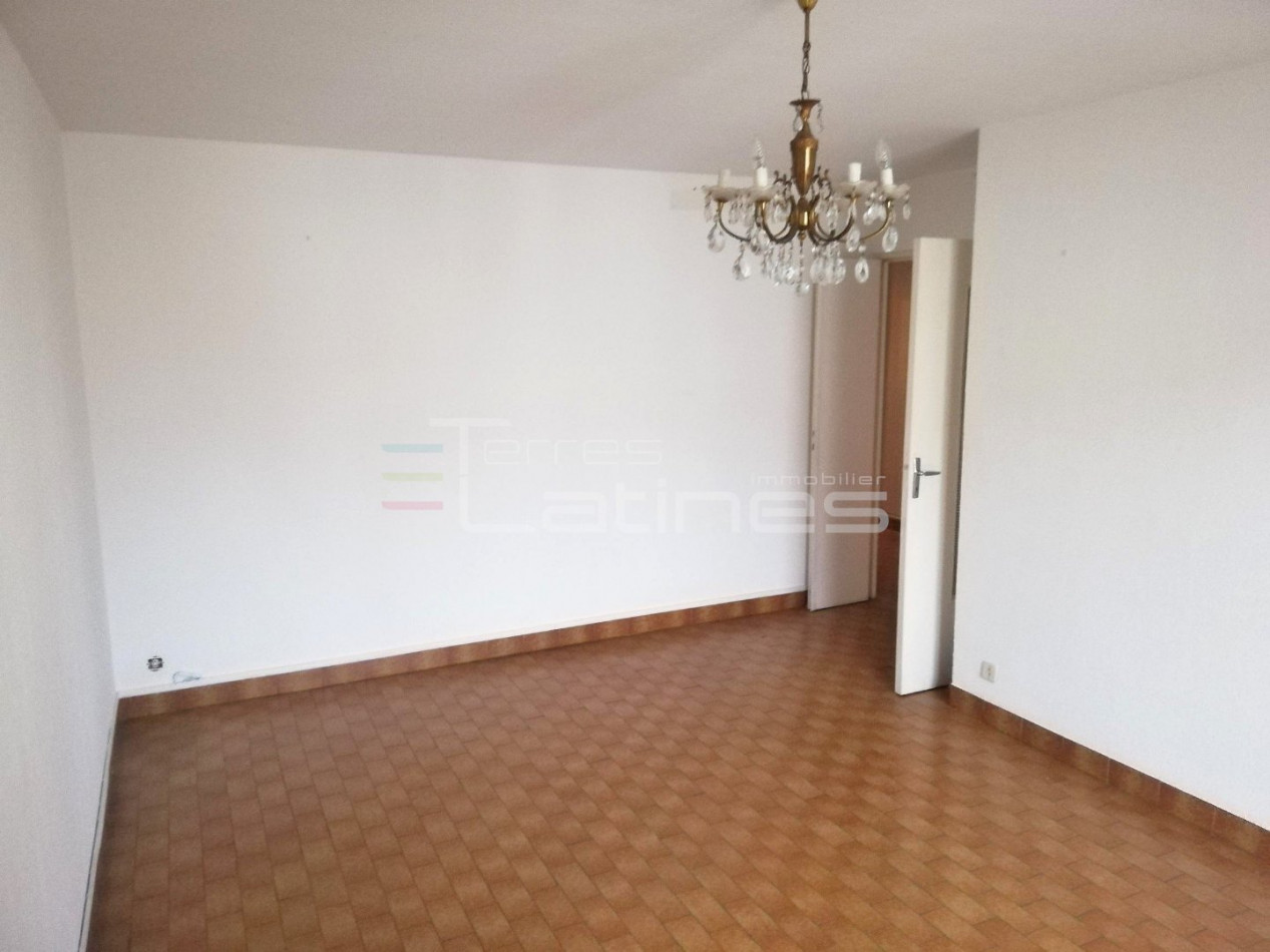A vendre  Nimes   Réf 30144486 - Terres latines