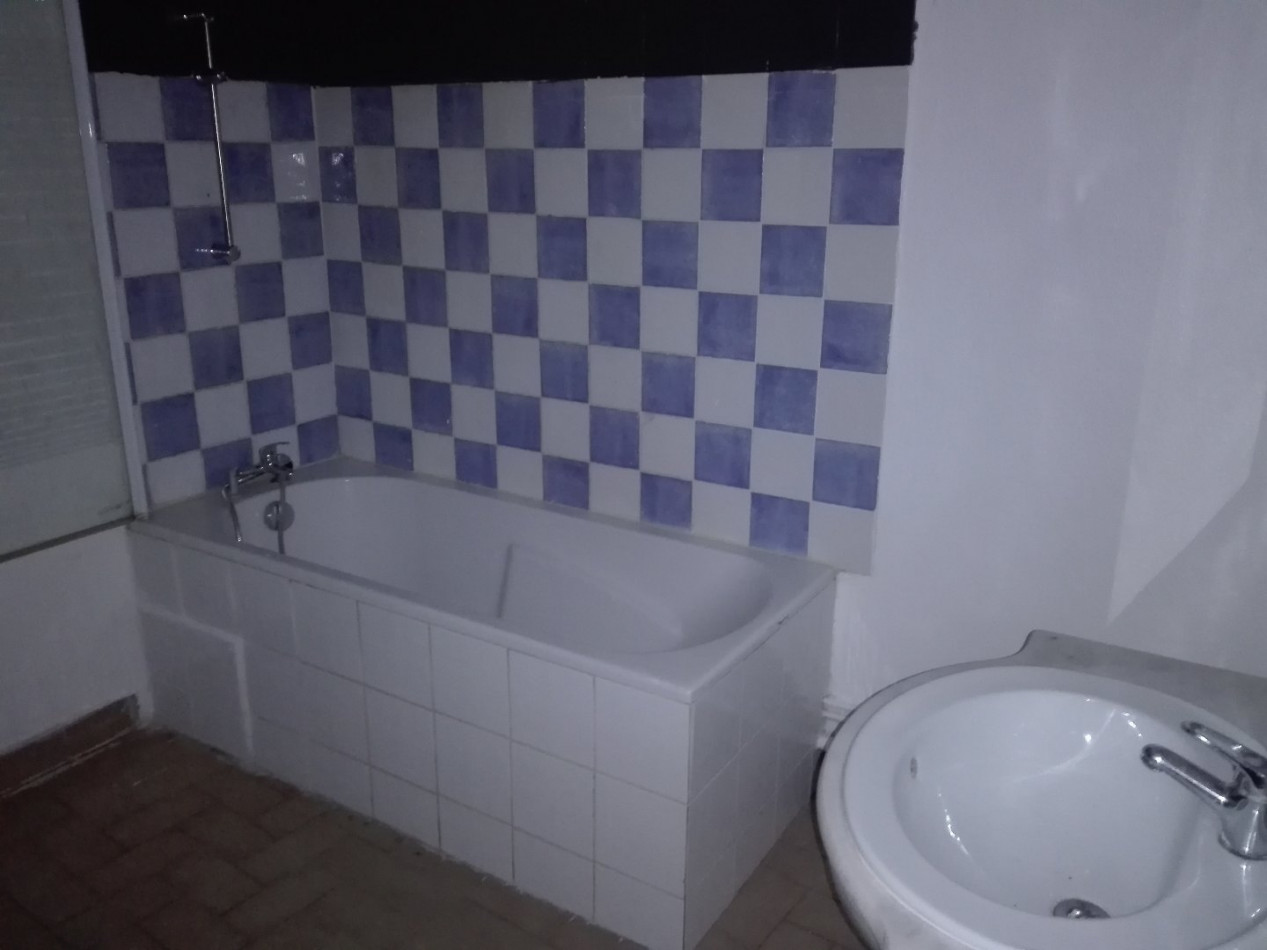 A vendre Beaucaire 301521162 I2t
