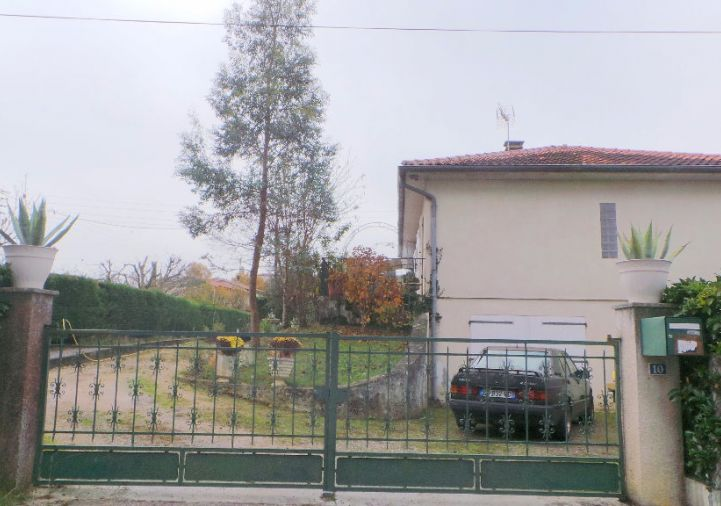 A louer Auch 320051376 2m immobilier