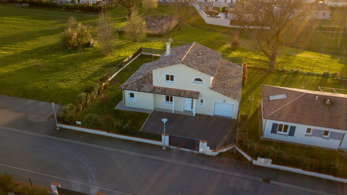 A vendre L'isle-jourdain 320071761 L'occitane immobilier