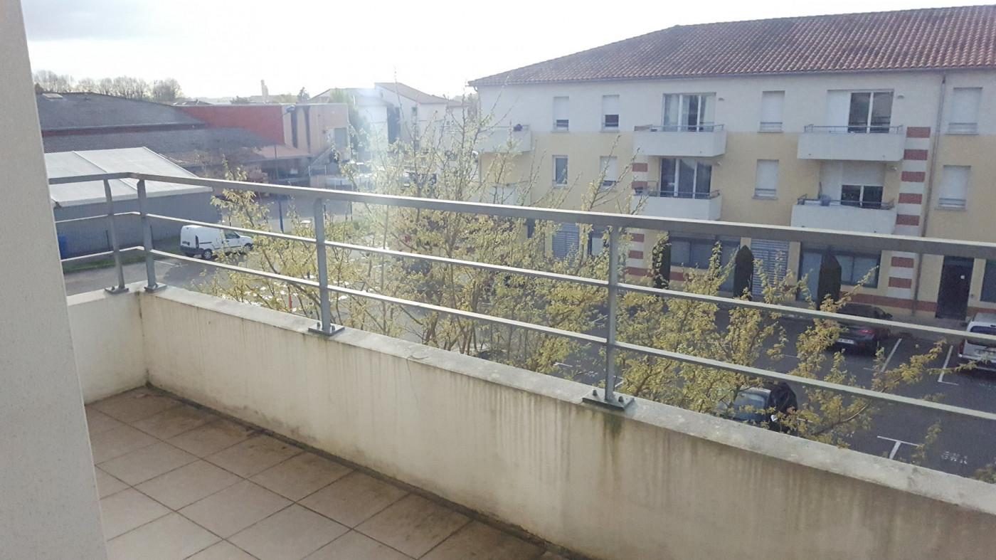 A louer L'isle-jourdain 320071822 L'occitane immobilier