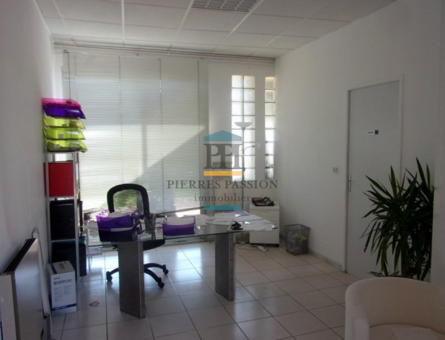 A vendre Cadillac 330381546 Pierres passion immobilier