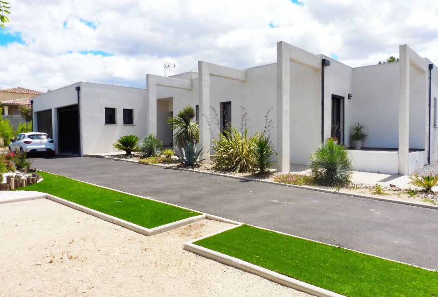 villa d 39 architecte en vente beziers rf 340123579 belon immobilier. Black Bedroom Furniture Sets. Home Design Ideas