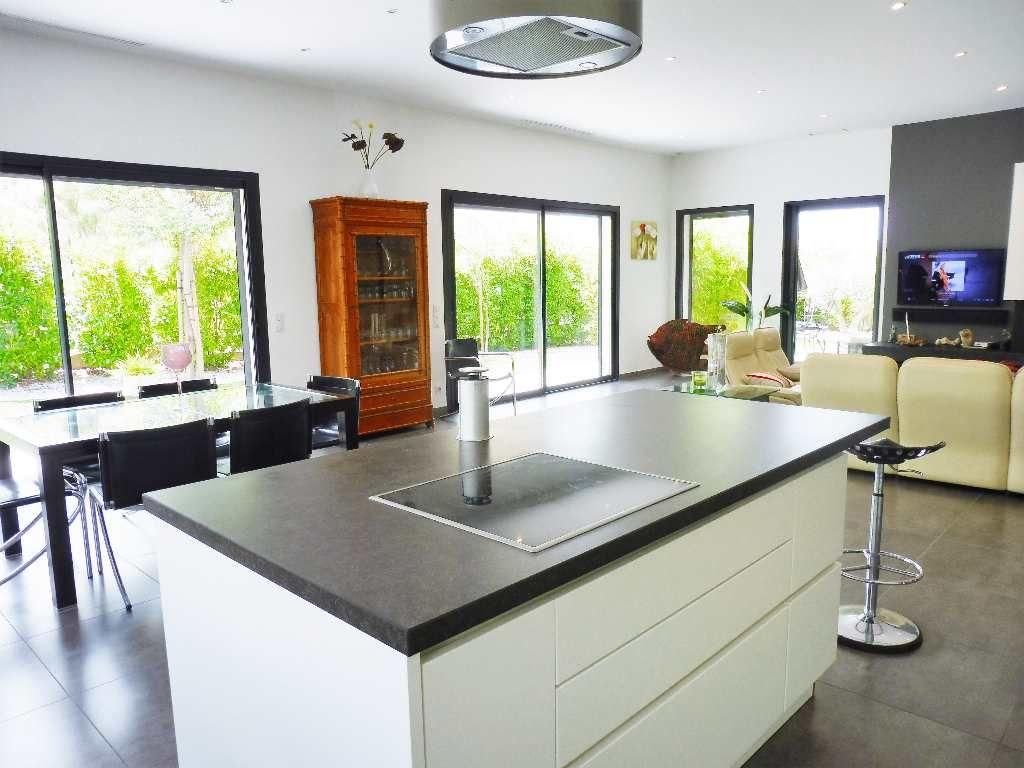 villa d 39 architecte en vente beziers rf 340123579 belon. Black Bedroom Furniture Sets. Home Design Ideas